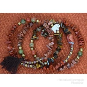 Jewelry - Grounding wrap bracelet with adorable elephants 🐘